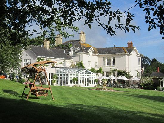 Summer Lodge: Main Garden