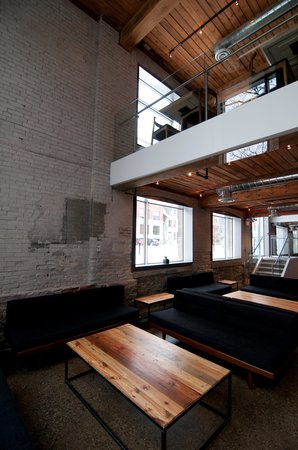 Hotel Ocho: B-Floor Lounge