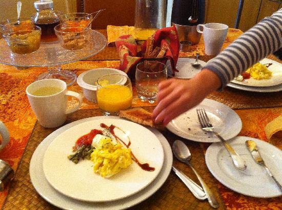 A l'Adresse du Centre-Ville: breakfast
