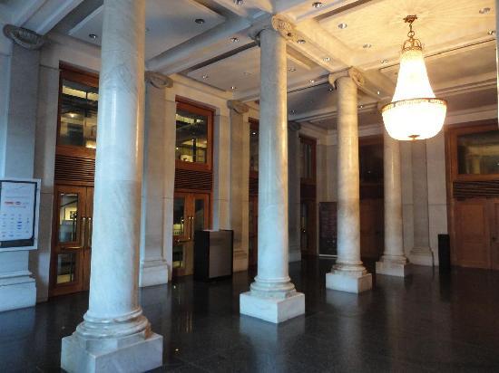 Montevideo, Uruguay: Interior del Teatro Solis