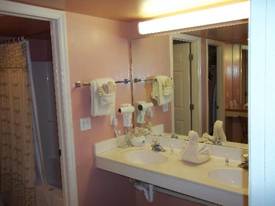 Casa Playa Resort: Bathroom