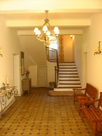 Bastide des Pres Jolis : Hallway, bedrooms are up the stairs