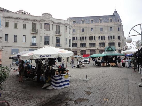 Montevideo, Uruguay: Alrededores del Mercado del Puerto