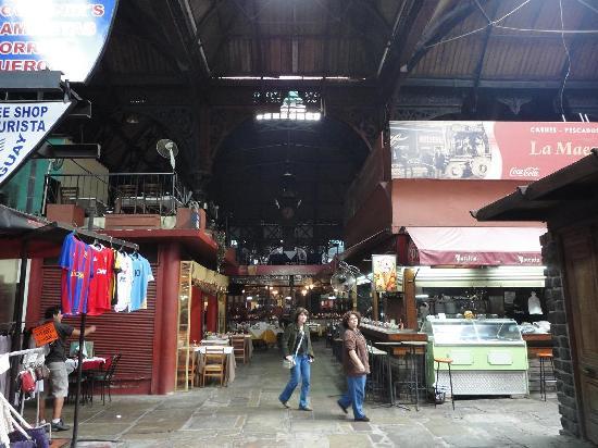 Montevideo, Uruguay: Interior del Mercado del Puerto