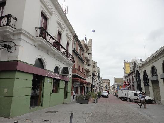 Montevideo, Uruguay: Peatonal del Puerto