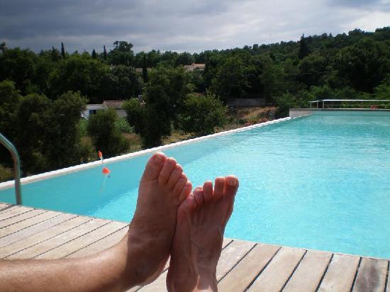 Villa A and J B&B: la piscina incantevole