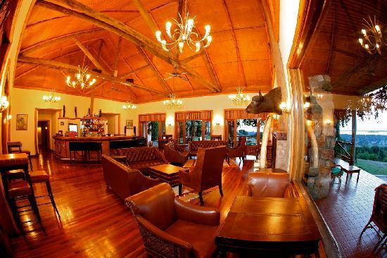 Mweya Safari Lodge: Mweya Lodge: The Bar