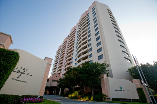 Embassy Suites by Hilton Tampa - Airport/Westshore: Hotel Entrance