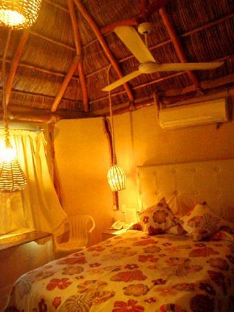 Hotelito Escondido Manzanillo: HABITACION PALAPA