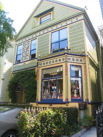 Noe's Nest Bed and Breakfast: Noe's Nest - 120 Year Old Victorian