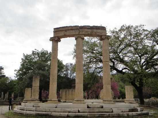Ancient Olympia: Building ruins in Olympic site