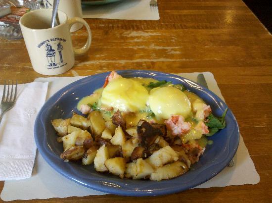 Grumpy's Restaurant : Grumpy's Lobster Benedict