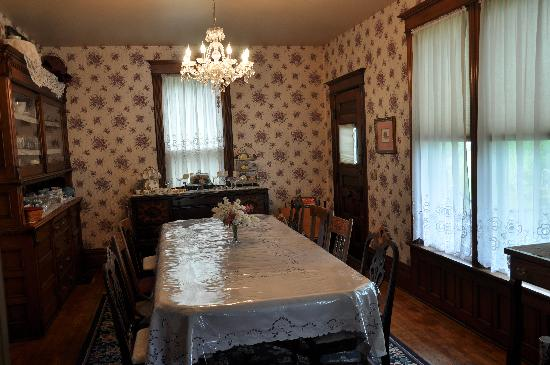Garden Gate Bed and Breakfast : Dining Room