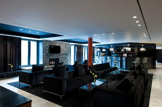 DoubleTree by Hilton Hotel Queenstown: Lobby Lounge