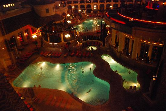 Peppermill Resort Spa Casino: The heated pools