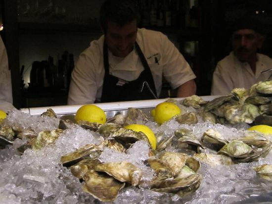 Hotel Commonwealth: Oysters at Island Creek Oyster Bar