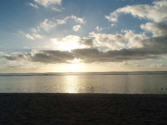 Ha'atafu Beach Resort: Sunset on the beach
