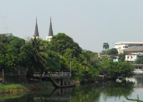 Cathedral of the Immaculate Conception: First glimpse of church spires by the Chanthaburi River