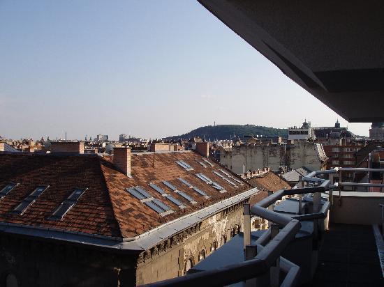 Medosz Hotel: Gellent Hill form 7th floor