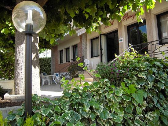 Hotel Perugina: giardino hotel