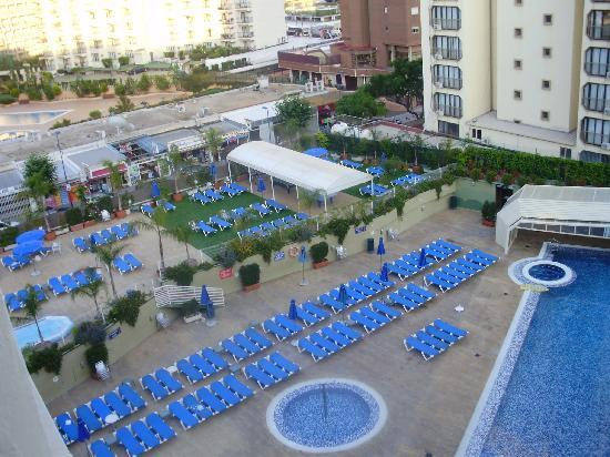 Presidente Hotel: The Pool area