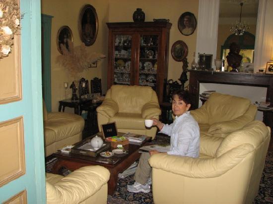 Le Mas Azemar: Alisa taking tea in the drawing room