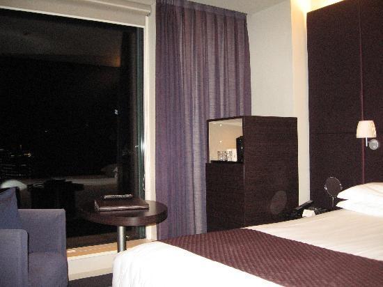 Mitsui Garden Hotel Ginza Premier: Camera con vetrata panoramica