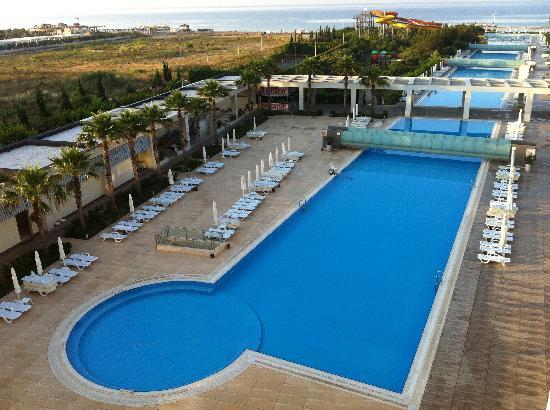 Kervansaray Hotel Kundu: The pool from our balcony!