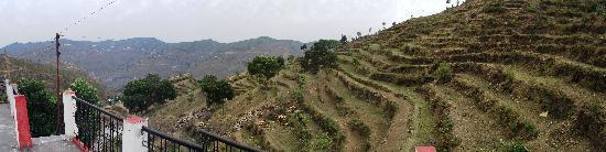 Pauri, India: Panoramiv view from Village Dhamund