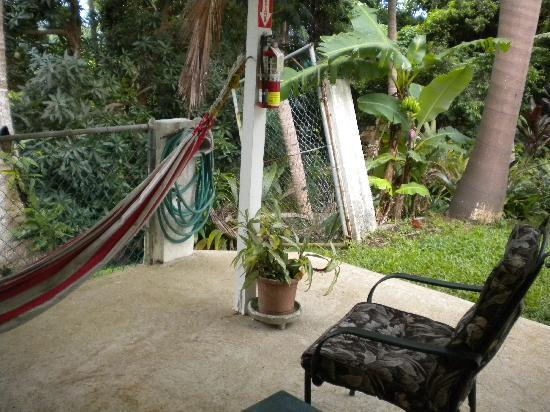 Ceiba Country Inn: Patio to our room