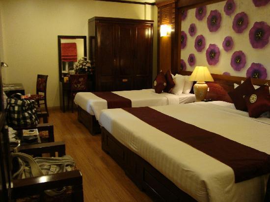 Asian Golden Lake: lovely room