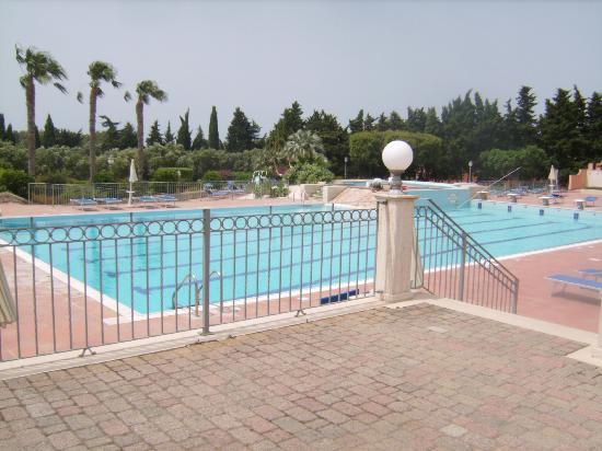 Baia Samuele Hotel Villaggio: piscina villaggio