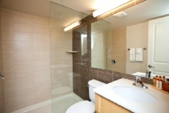 Ocean Club Hotel: Guest Bathrooms - everything has been completely renovated