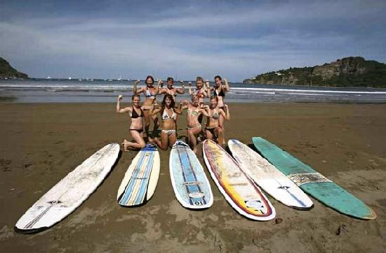 Chica Brava Surf Retreat : CHICAsBRAVAs!