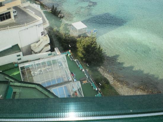 Hotel Benikaktus: piscina