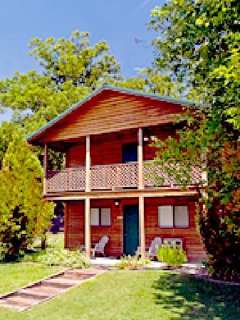 Shady Lane Cabins & Motel in Eminence, Missouri
