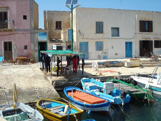 Favignana, Italy: petit port de pêche