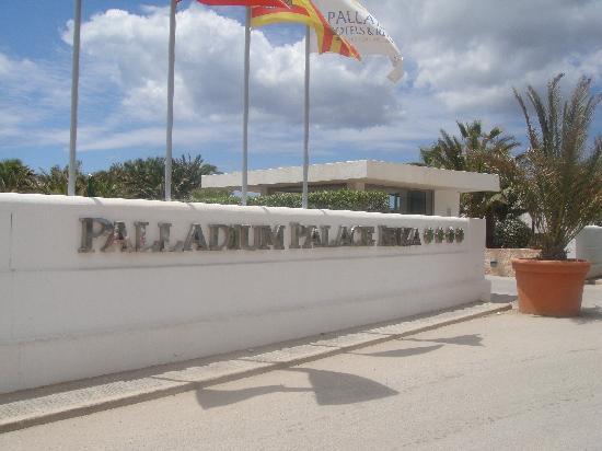 Grand Palladium Palace Ibiza Resort & Spa : Main entrance