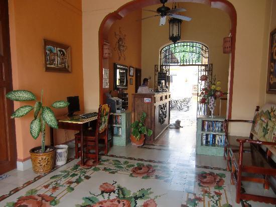 Hotel del Peregrino: Entryway