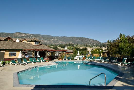 Ramada Penticton Hotel Suites Pool And Lounge Area