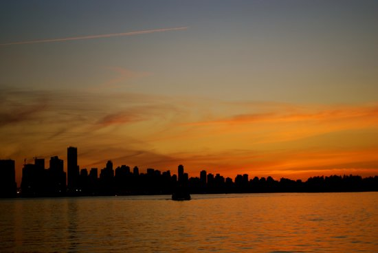 Discover Canada Tours - Day Tours: Gorgeous Sunset in Vancouver