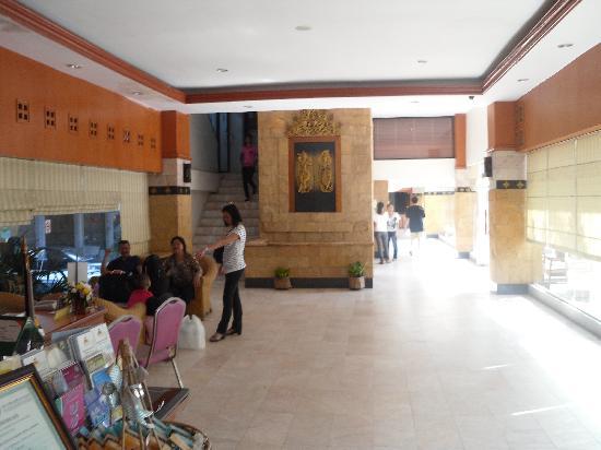 Hatyai Paradise Hotel & Resort: Lobby