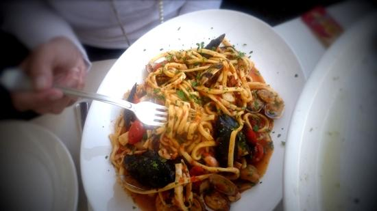 Ristorante Pizzeria FUNICOLARE: Seafood Noodles. This was so delicious.