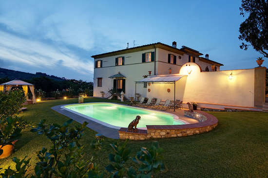Relais Villa Il Sasso Historical Place: pool night view