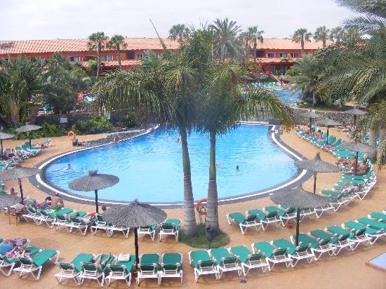 Oasis Village : pool area