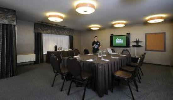 The Inn on Long Lake: Boardroom meeting setup
