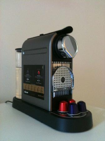 โรงแรม เดอะ เบอร์ราร์ด: YUM free coffee