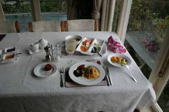 McAuley Glen Boutique Bed & Breakfast: Breakfast