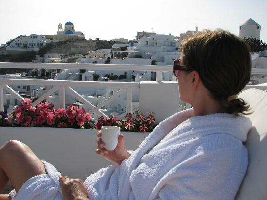 Sunlight Suites: Enjoy an espresso on the deck in your robe!