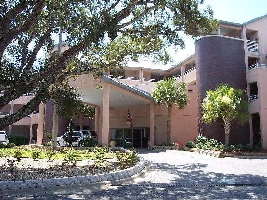 Navy Lodge Pensacola: Front of Lodge